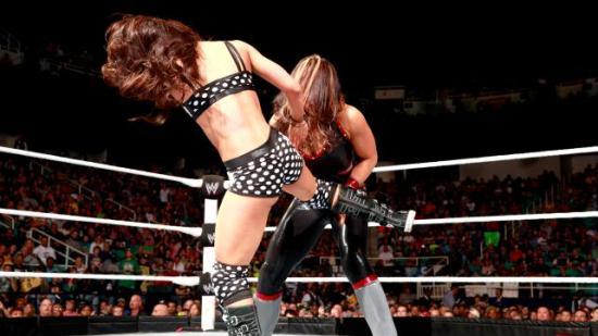 AJ i wrestlingbikini > AJ i powersuit (WWE)