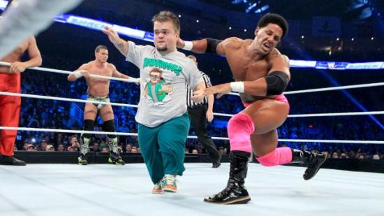 Æsj, det lukter dverg! (WWE)