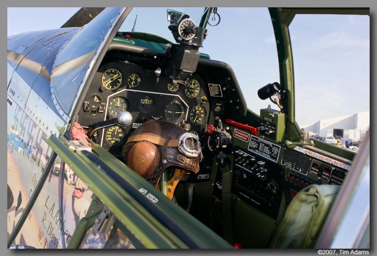 Cockpiten til en P-51C,  D-modellen var mye det samme.  Referansebilder er alltid kjekt å ha, selv om man skal ta restaurerte objekter med en klype salt.