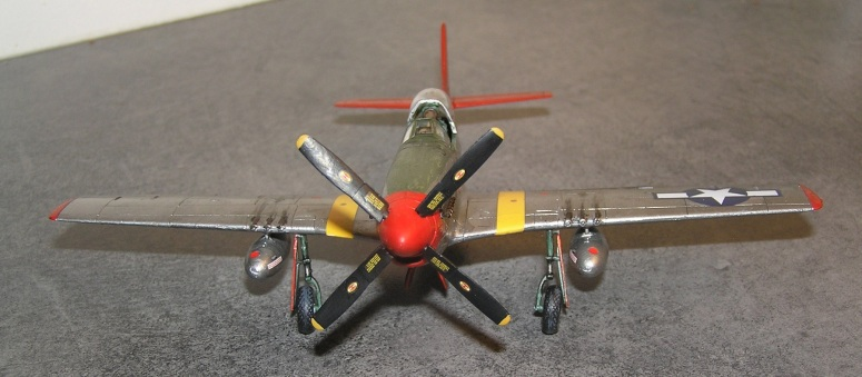 8 dekaler, kun på propellen, noen som sa utførlig stensilering?