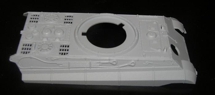 Airfix har valgt å støpe en del utstyr som verktøy og slepetau i selve karosseriet.  Lettere å bygge, litt mer utfordrene å male  (men jeg har mine triks)
