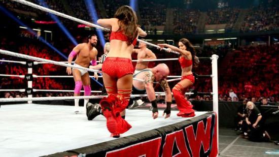 Det verste var at det var en helt grei kamp som fint hadde fortjent 5 minutter på 'Mania (WWE)