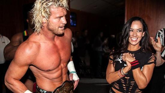 Lutter glede backstage på RAW (WWE)