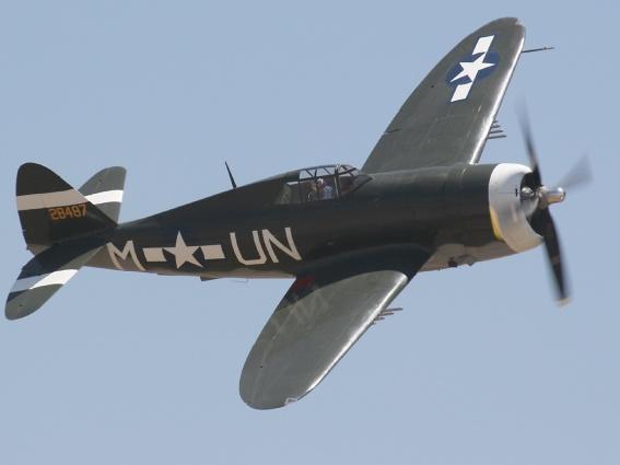 En P-47 razorback Sammenlikn cockpiten med bubbletopene avbildet lenger ned på siden. (richard-seaman.com)