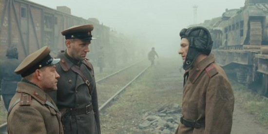Unnskyld meg general, men den T-34'n lesper! (Kosmorama)