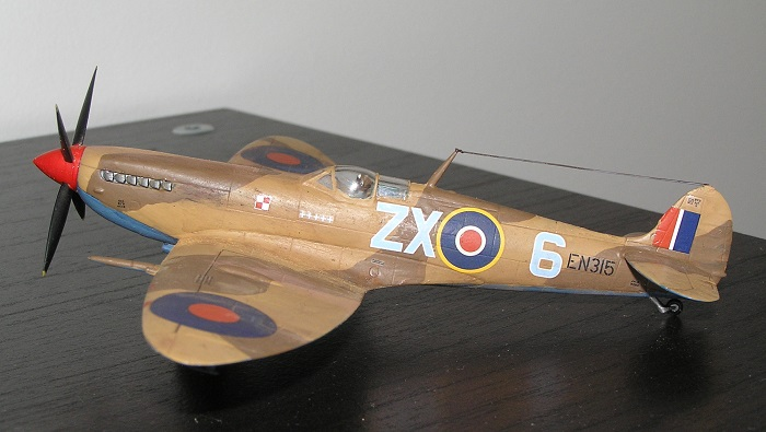 Og med det er Spitfiresamlingen enda litt større.. (Og jeg har 2 ubygde i stashen og...)