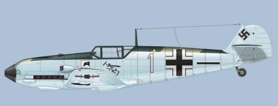 Bf109-E4 fra 4./JG77.  med både våpenmerket til Jagtgeschwader 77 og pilotens egen maskott i form av mannen men ljåen