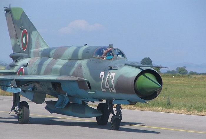 MiG-21 i bulgarske farger (Wikipedia)