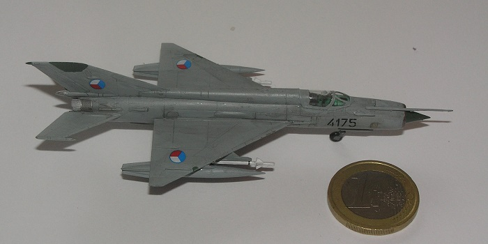 ...for sikkerhets skyld får vi ta med et bilde sammen med den allstedsnærværende Euro-mynten også.