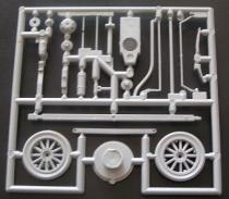 Støpetre nr 2 (x2): Hjul og chassis