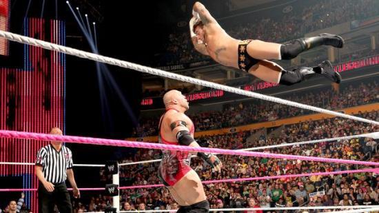 Punk er vel mer en stalker enn en bølle, men mye det samme (WWE)