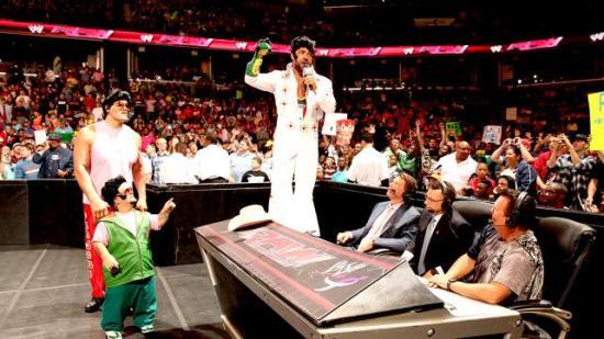 Så mye galt på ett bilde... (WWE)
