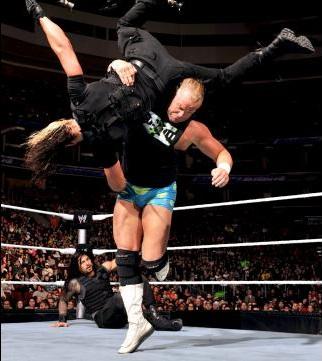 Gammel mann gjør så godt han kan, og det er slett ikke verst! (WWE)