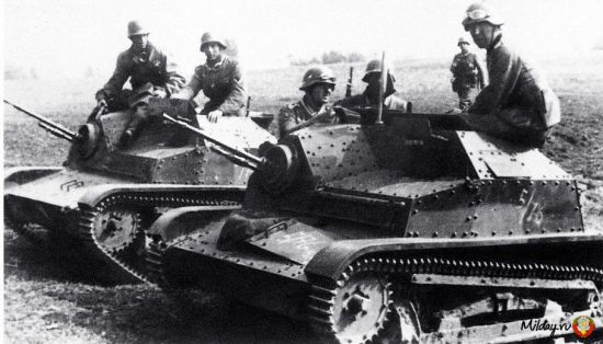 Et bilde av TKS i tysk tjeneste, der det er lett å se hvor liten denne maskinen faktisk var