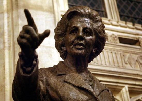 """Statsleder (Her representert med bronsestatuen av """"The Iron Lady"""" Margaret Thatcher i Westminster. (Bilde: Ibtimes)"""