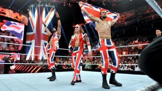 McIntyre er skotsk, Mahal kommer fra det som var juvelen i det britiske imperiet, og hårfargen til Slater sladrer om mye angelsaksisk blod i årene (WWE)
