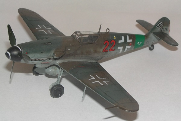 """Rot 22"" (W.Nr. 770351) 10./JG27, Hesepe, Tyskland, mars1945."
