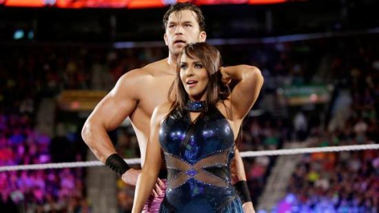 """Pluss i boka for at Summer klarte å snike betegnelsen """"Catty little twat"""" forbi sensuren på Main Event (WWE)"""