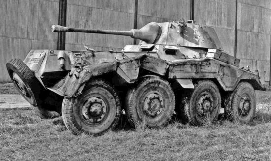 """Nr 432,  legg merke til """"low visibility"""" identifikasjonnummer på tårnet, som gjengitt på modellen, og på de ødelagte Panzer IV -tanksene avbildet høyere opp. Det var tydeligvis 20. Pz. Div. stil."""