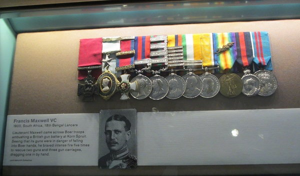 """Fra """"The Lord Ashcroft Gallery: Extraordinary Heroes"""" En samling med medaljene til over 150 mottagere av Victoria Cross"""