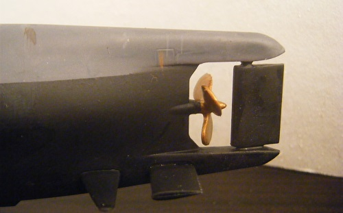 Propellen ble malt forskriftsmessig i messing