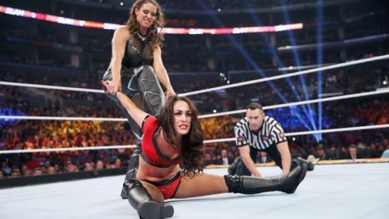 Flaks at den ekstra drakten til Seth passet (WWE)