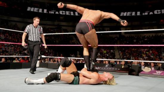 Blåmerker er obligatorisk (WWE)