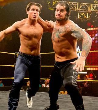 """""""Der er døra Troy,  lykke til i dine Future Endeavours"""" (NXT)"""