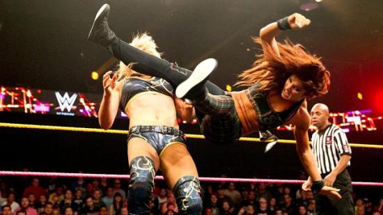 Memo til Total Divas: Se, lær, gå hjem og øv! (NXT)