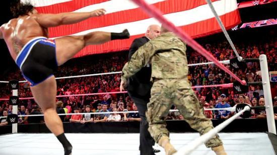 Incoming! (WWE)