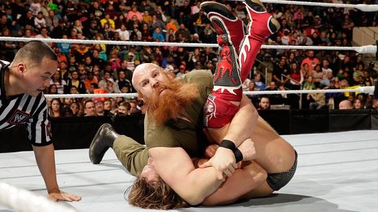 ..som her nettopp har tatt seieren over selveste Daniel Bryan på RAW (WWE)