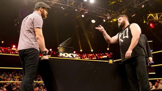 Så Owens måtte nøye seg med å kaste pennen i fjeset på Zayn (NXT)