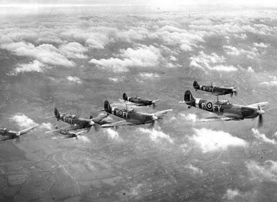Spitfires på avskjæringstokt (RAF museum)