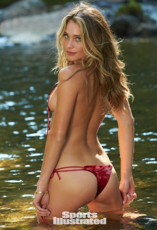 Hannah Davis. Sted: Blackberry Farm, TN USA. Antrekk: Dolcessa Swimwear (Sports Illustrated)