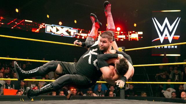 Se der slammer bamsefar! (NXT)
