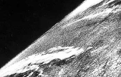 Det første foto fra rommet (NASA via Wikipedia)