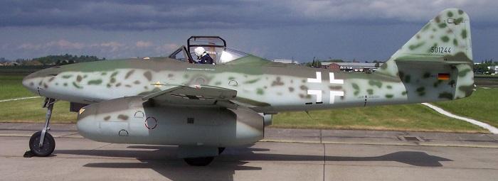 Flyvende replika av en Me262B-1 (Wikipedia)