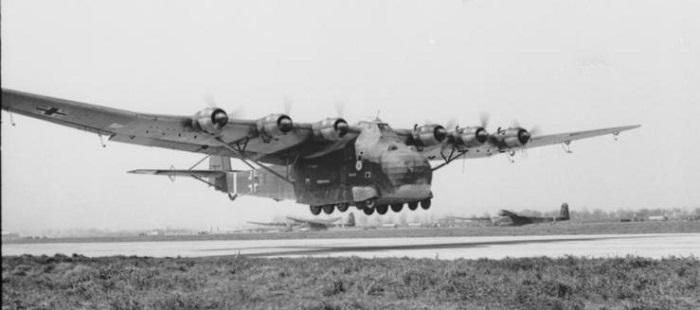 Me323 Gigant (Bundesarchiv via Wikipedia)