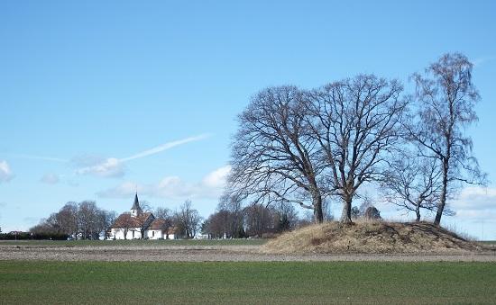 Borre kirke og Spellemannshaugen