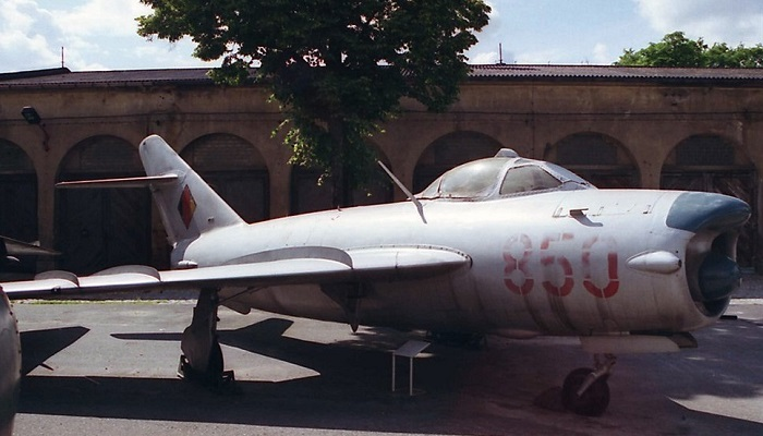 850, fotografert i Dresden i 1990 (Wikipedia)