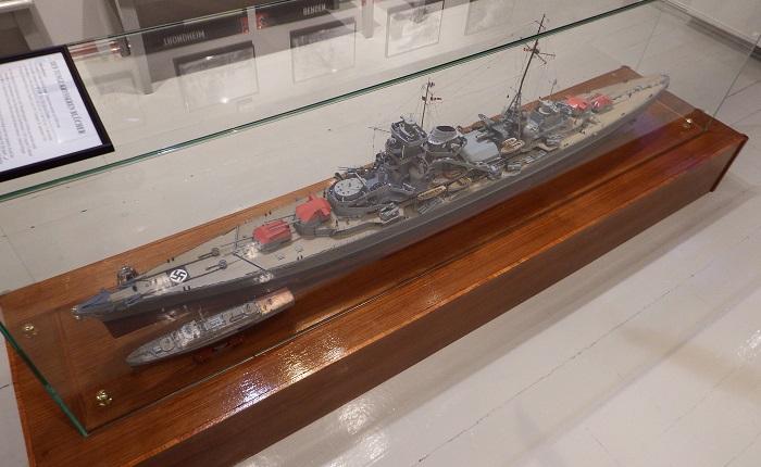 Pinlig nøyaktig og detaljert modell av Blücher, som ble senket i Oslofjorden 9. april 1940