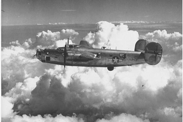 b-24_liberator-295379-a