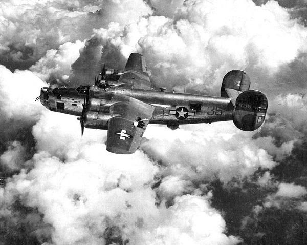 b-24_liberator-295379-b