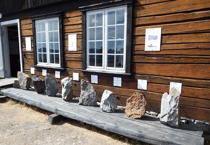 Eksempler på bergartene vi finner i Skuterud-åsen